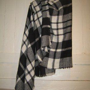 Old Navy BLACK & WHITE PLAID scarf / wrap